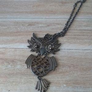 Jewelry - Owl statement necklace